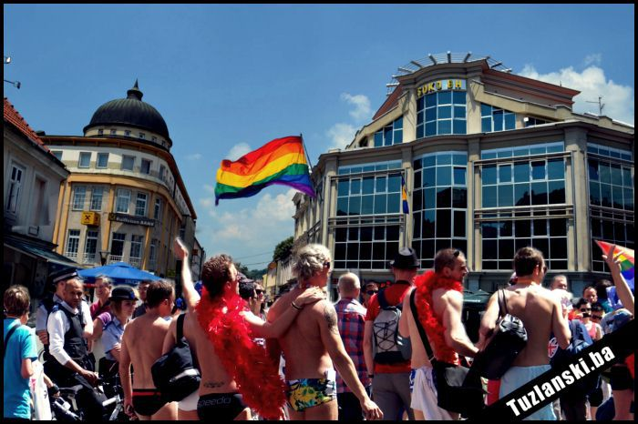 tuzla-gay