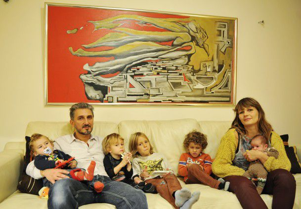 porodica-pet-sinova