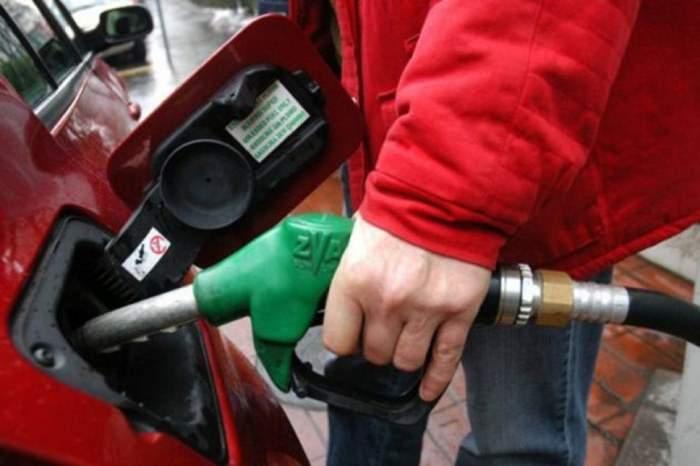 benzinska-pumpa-radnik