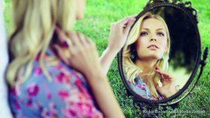 djevojka-ogledalo