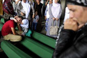 Tabuti sa 136 žrtava srebreničkog genocida009-20150710