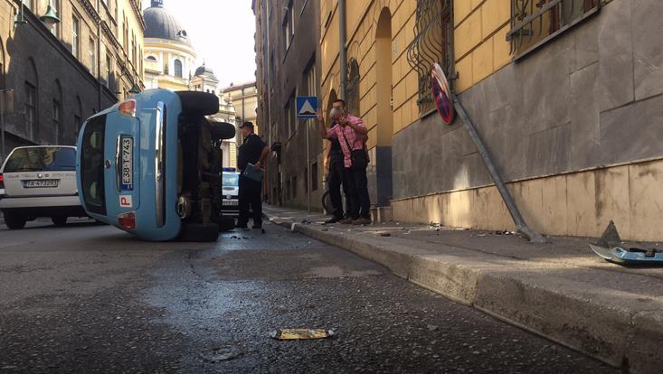 automobil-prevrnut-nezgoda2