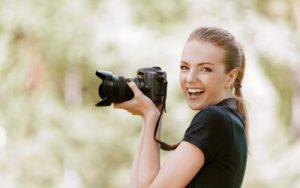 djevojka-fotoparat