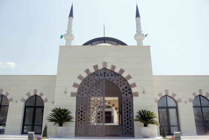 islamski-kulturni-centar-bar-sa-dzamijom-selimijom-monumentalni-objekat-koji-prima-dvije-hiljade-vjernika7-2015-07-18