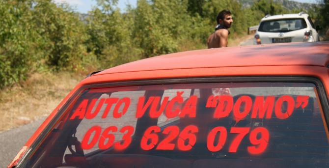 Na cesti preko Svitave uvijek ima posla za vučnu službu [Foto: Haris Kustura/Al Jazeera]