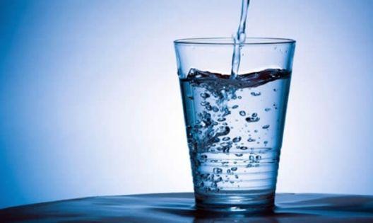 Kad vidite šta čaša vode radi vašem salu – nećete je ispuštati iz ruke!  Tuz...