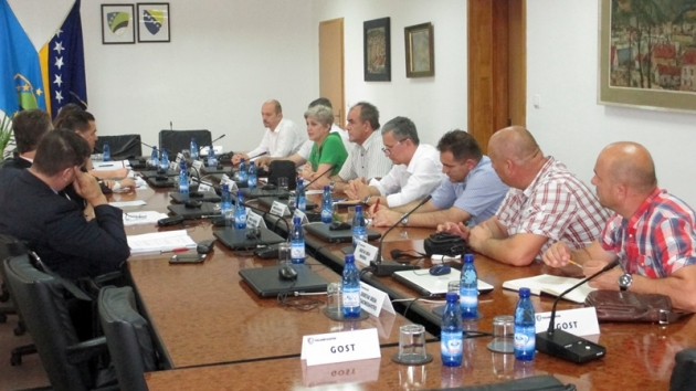 vlada-tk-sindikati-sastanak001