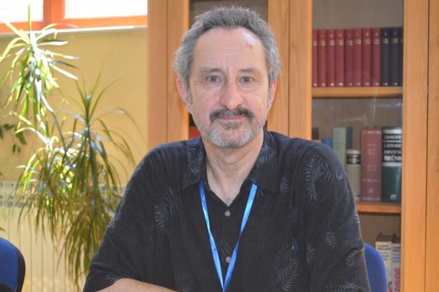 Psihijatar Steve Olweean
