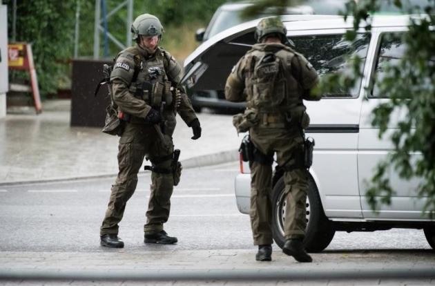 minhen-napad-pucnjava-2016-terorizam004-20160722