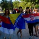 djevojke-zastave1