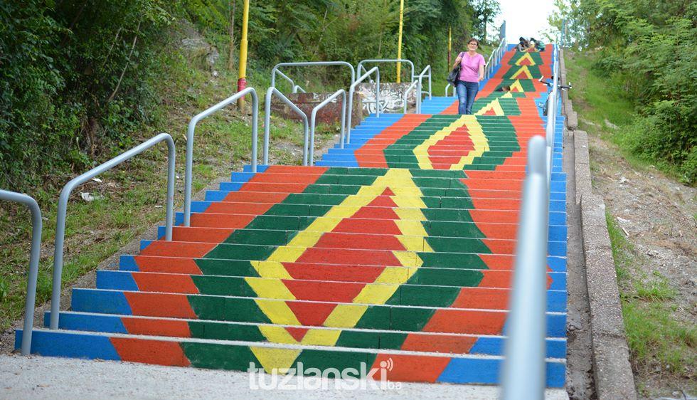 Oslikane stepenice - Page 11 Stepenice-sarene34