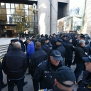 Blizu 2.000 policajaca pred Vladom FBiH u 12:00 sati