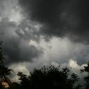 Upaljen narandžasti meteoalarm: FHMZBiH upozorio na udare vjetra do 80 km/h