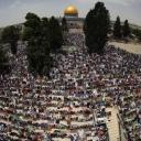 Hiljade ljudi klanjale džuma-namaz u kompleksu džamije Al-Aqsa u Jerusalemu
