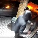 Nestao u 20 sekundi: Pogledajte nevjerovatnu krađu novog Mercedesa (VIDEO)