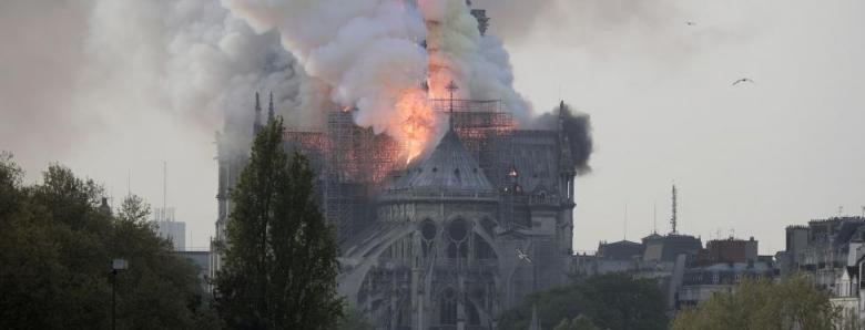 Zašto Notre Dame u plamenu izaziva više tugovanja od masovne patnje ljudi?