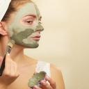 Maska od gline: Sve prednosti popularnog beauty tretmana za njegu lica