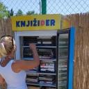 Odlična ideja: Od pokvarenog frižidera do police za knjige kratak je put