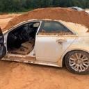 Ljubomora čini čuda: Zbog bizarnog razloga zatrpao automobil kojeg je vozila njegova djevojka