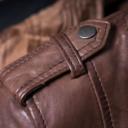 Nije samo ukras: Evo čemu služe trakica i dugme na ramenu jakne