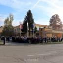 U Tuzli mirno okupljanje građana zbog najave otvaranja migrantskog centra (FOTO)