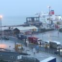 Irska policija pronašla šesnaest ilegalnih migranata u kontejneru trajekta