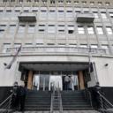 Beograd: Tokom suđenja pred svima u sudnici optuženi nanio sebi ozljede u predjelu vrata