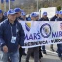 Srebreničani na putu prema Vukovaru odali počast žrtvama s Tuzlanske kapije
