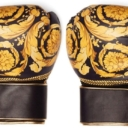 Versace nudi novi modni dodatak – bokserske rukavice