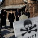 Merkel stigla u posjetu bivšem nacističkom logoru smrti Auschwitzu